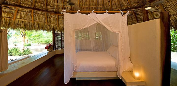 mosquito-nets-resort-crangrejo-y-toro-mexlux.jpg