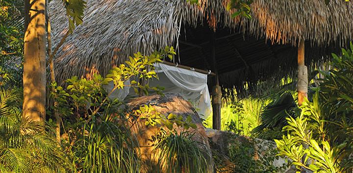 mosquito-nets-resort-verana.jpg