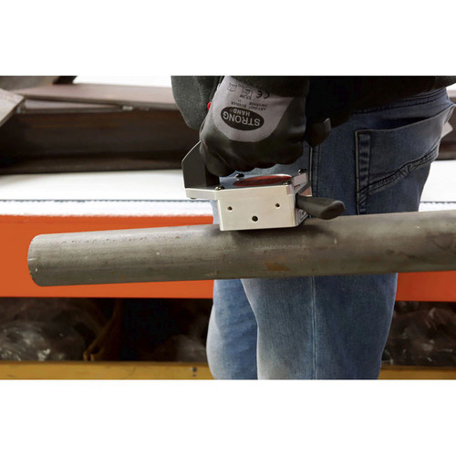 Alfra TMH-66-R Hand Lifting Magnet carrying a pipe