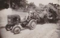 1943-bailing-hay.jpg