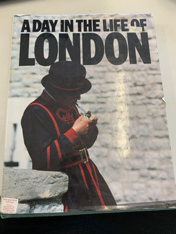 A Day In The Life Of London - Red Saunders (Hardcover)