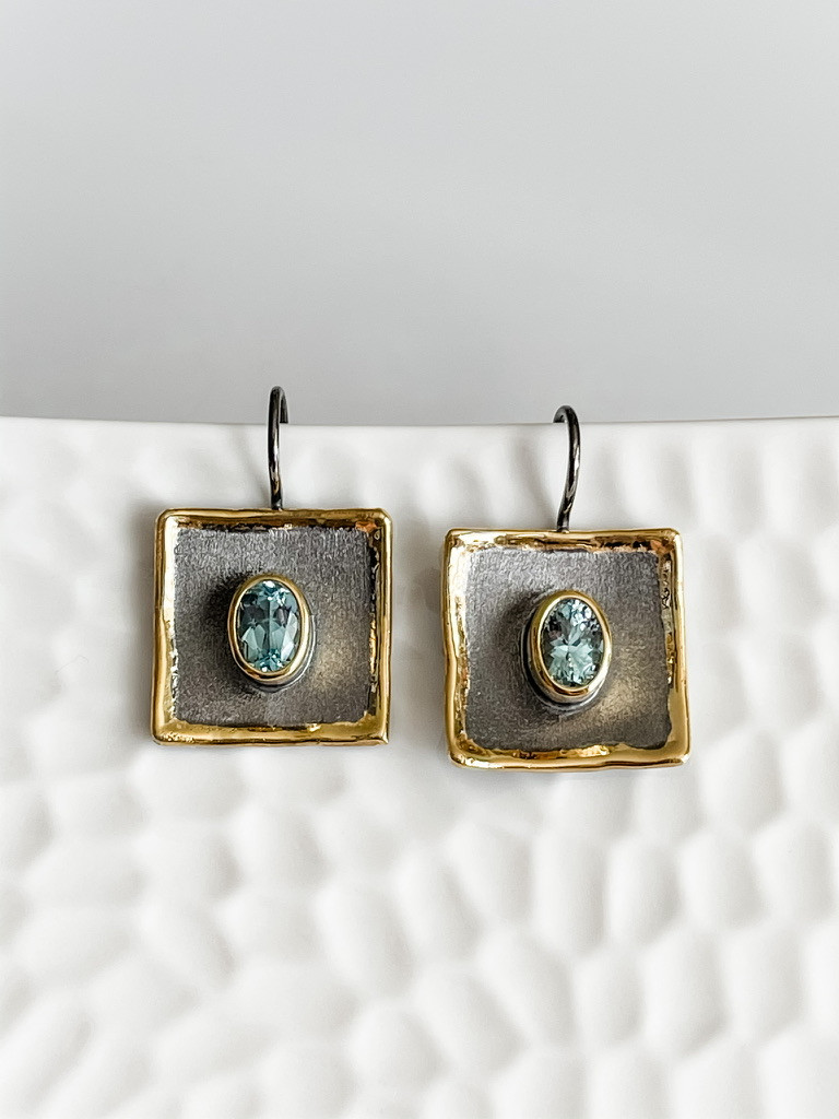 FINE SILVER AND 24K EARRINGS WITH AQUAMARINE