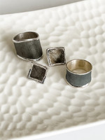 FINE SILVER RING WITH RHODIUM PLATING