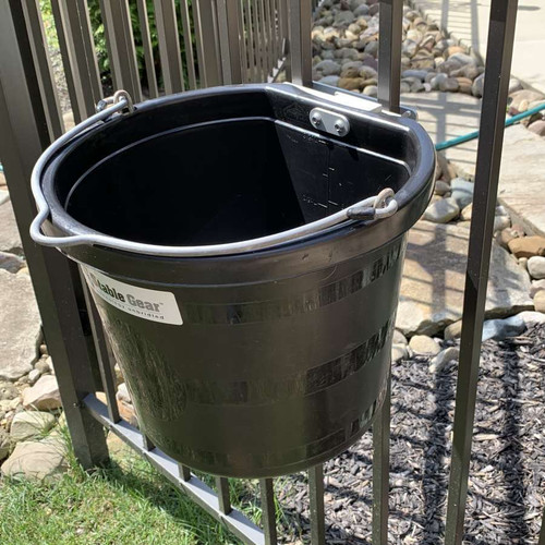 Stable Gear 14qt Pail with Mount