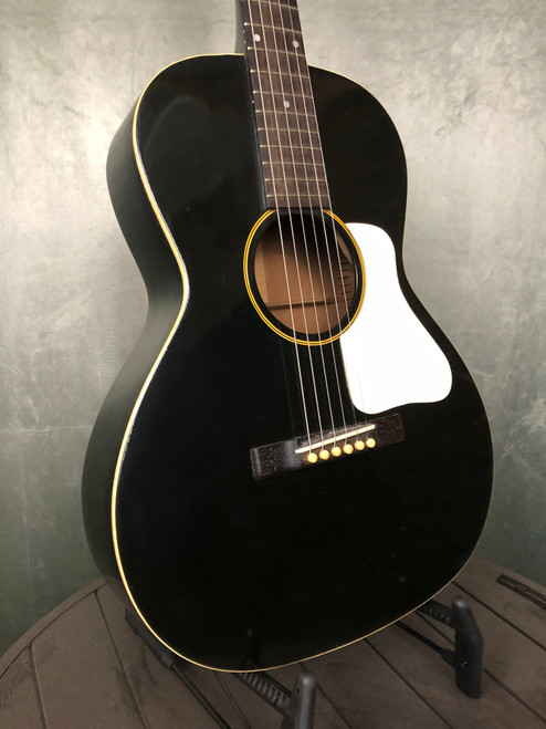 1932 Gibson L00 | Front View | Acoustic Corner | Black Mountain, NC
