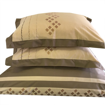 Lakewood-Embroidered-100%-Cotton-3-Piece-Duvet-Cover-Sets-detailed