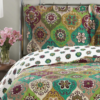 Bonnie Floral Printed Quilt Set Detailed Image/ Closeup