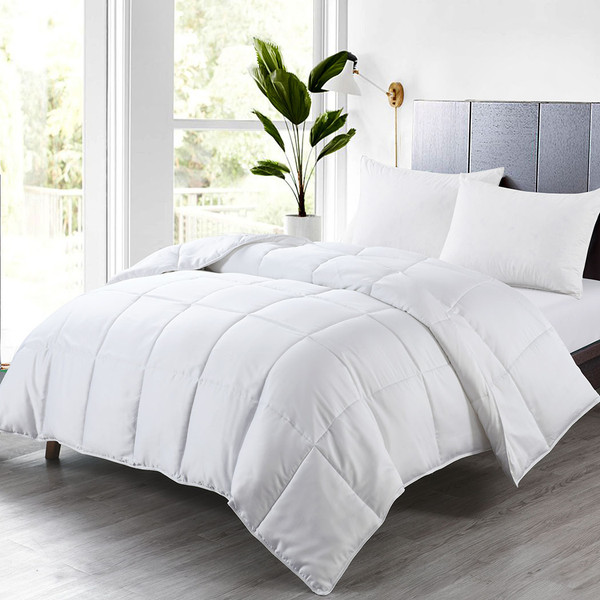 Bamboo-Down-Alternative-Comforter