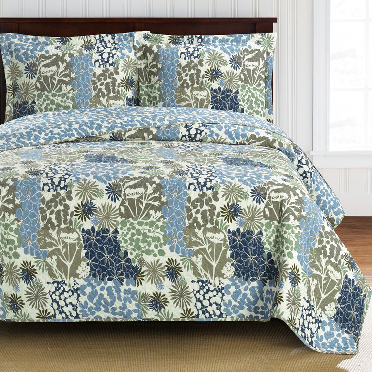 Elena Green Forest Quilt Bedding Oversized Reversible Quilt Set Image