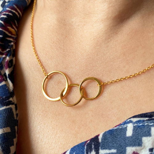 Three Generations Linked Circles Necklace
