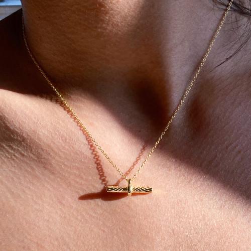 Toggle Bar Pendant Necklace