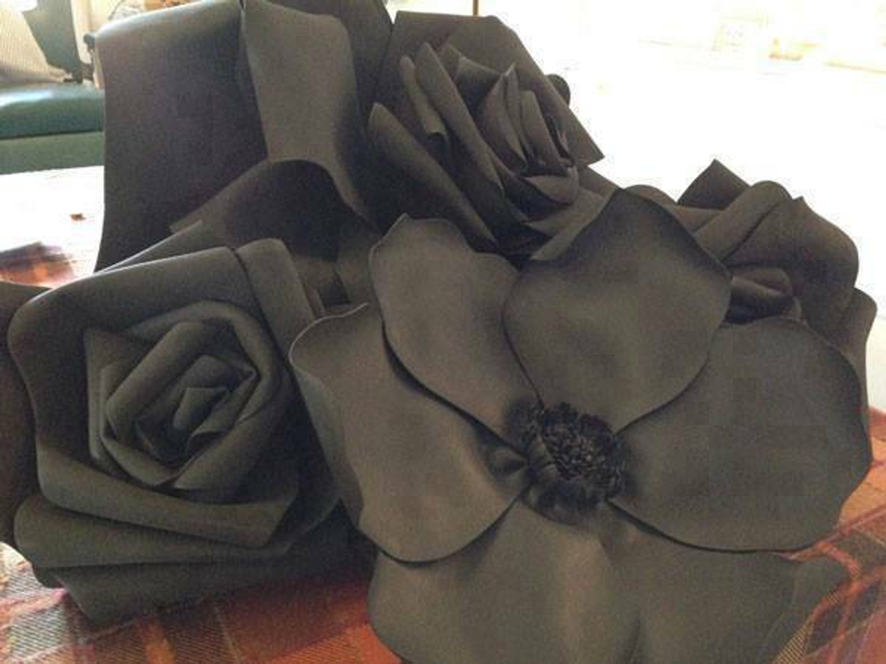 "Decorative Flower (36"", Black)"