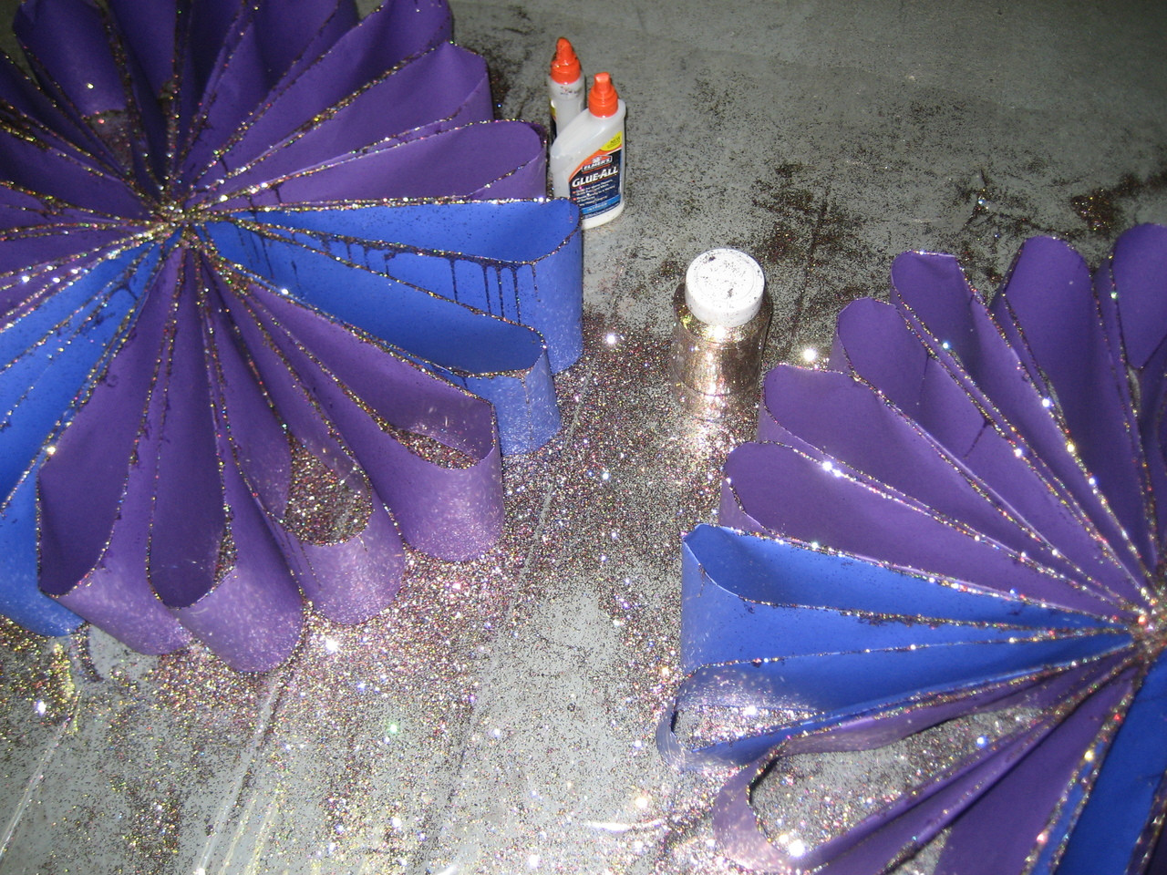 Javits Flower with Glitter- Flame Retardant