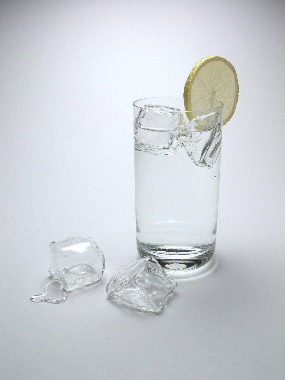Glass Floating Ice Wedge (1 Piece)