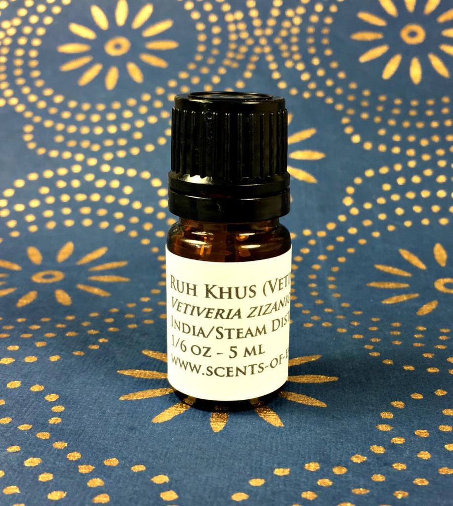 Vetiver Essential Oil (Vetiveria zizanioides) - India