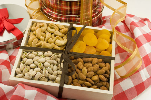 Nuts & Dried Fruit Gourmet Tray