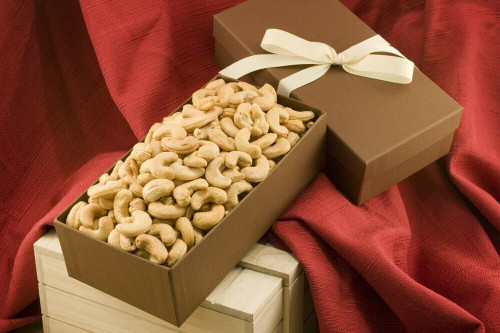 Giant Cashews Gift Box (Unsalted)