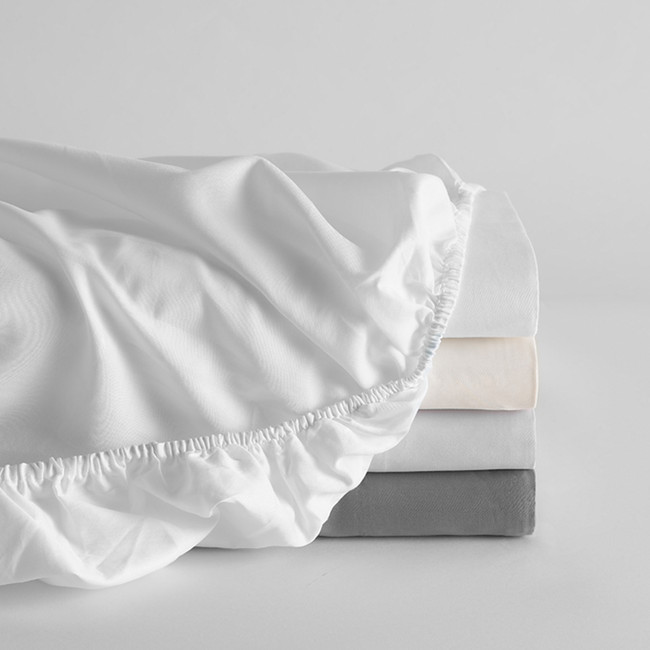 DUXIANA Essentials - Sateen, fitted sheet, colors