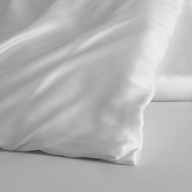 DUXIANA Essentials - Urban, Duvet Cover, detail, white