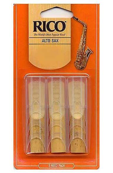 Rico alto saxophone reeds  2 1/2 gauge ( 3 pack )