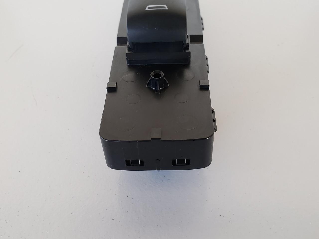 16-19 Chevy Malibu 26218342 Left / Right Rear Passenger Window Switch OEM