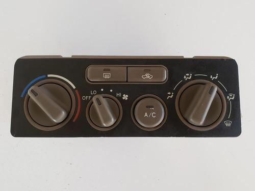 01-02 Corolla 5590002070 Climate Control Panel Temperature Unit A/C Heater