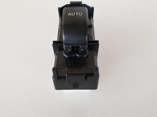 04-09 Lexus RX350 84030-0E010 Left / Right Rear Passenger Window Switch OEM