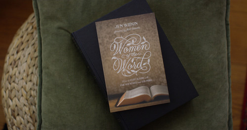 Women of the Word will help sustain and focus your passion when reading the Word of God. So far, over 250,000 copies have been sold with study questions at the end of each chapter to help challenge you as you grow deeper in your spiritual walk.