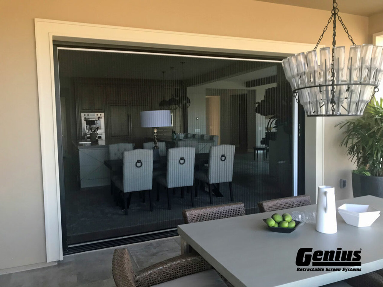 Genius®  ZIGZAG - The Retractable Single Screen Panel