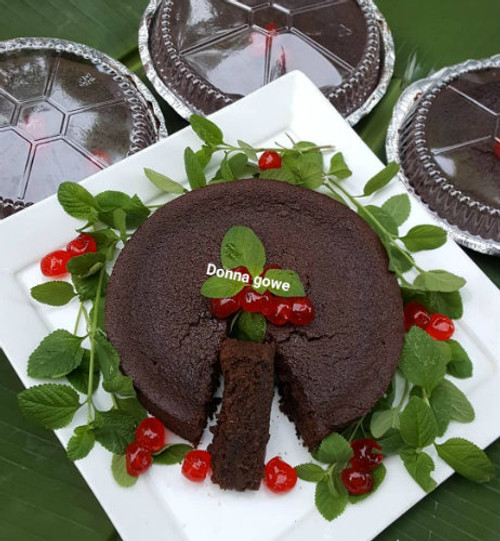 Nyam Bad Vegan Christmas cake (1lb)