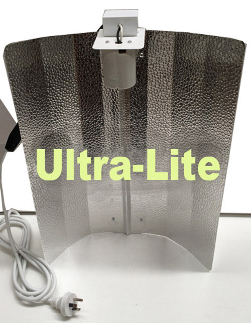 ULTRA-LITE LARGE 650MM X 550MM SILVER