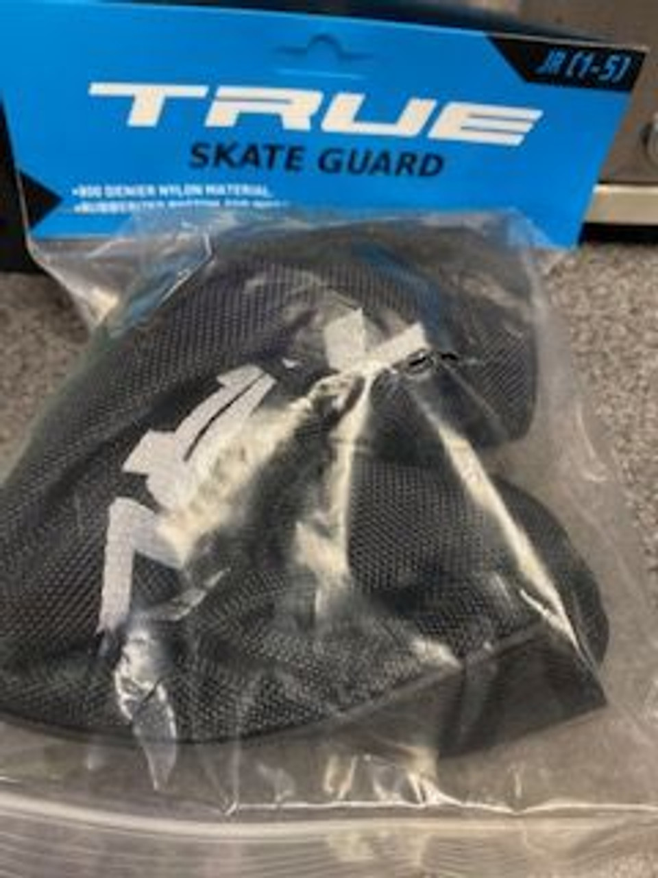 True skate guards junior 1-5 black