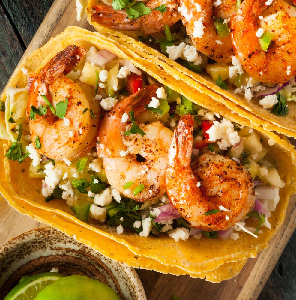 Jumbo Gulf white shrimp cooked.
