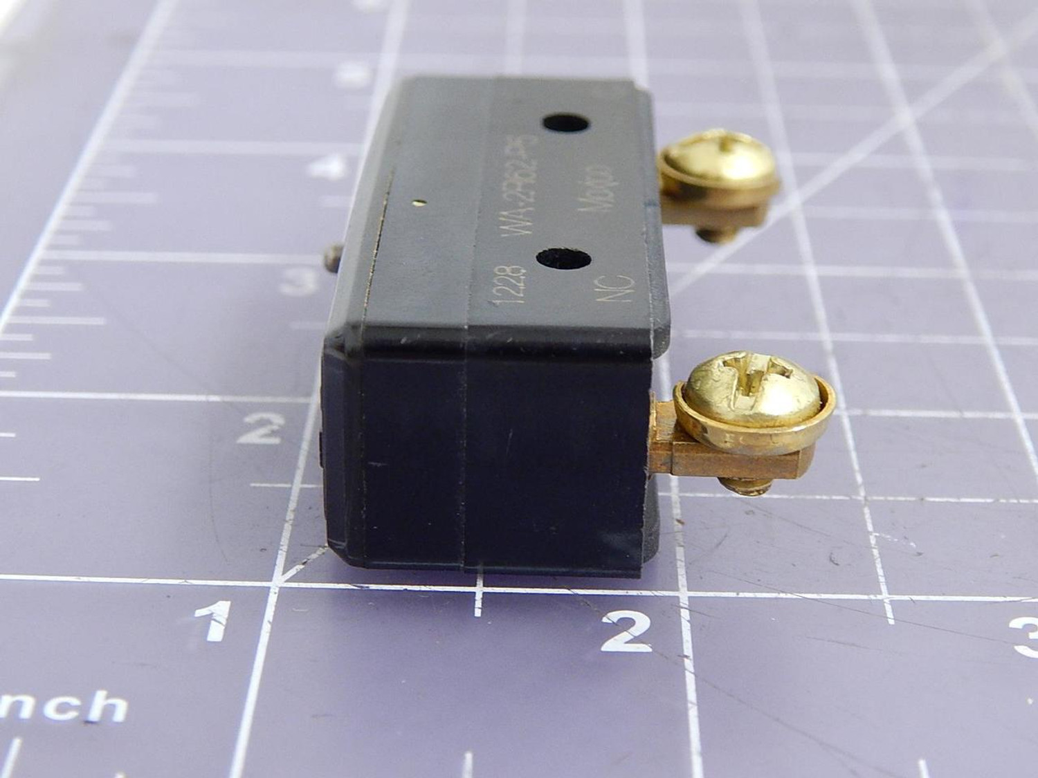 MICRO SWITCH//Honeywell Basic Snap Action Switch 20 A 250 Or BA-2R62-P5 125