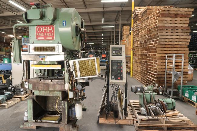 Oak Products  PP-1 Prog Press  SRF-5   High Speed Gap Frame Punch Press For Sale
