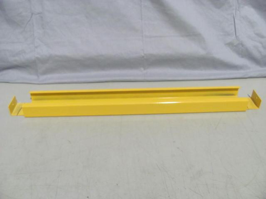 Lot of 300 Pallet Racking Yellow Pallet Supports 30''