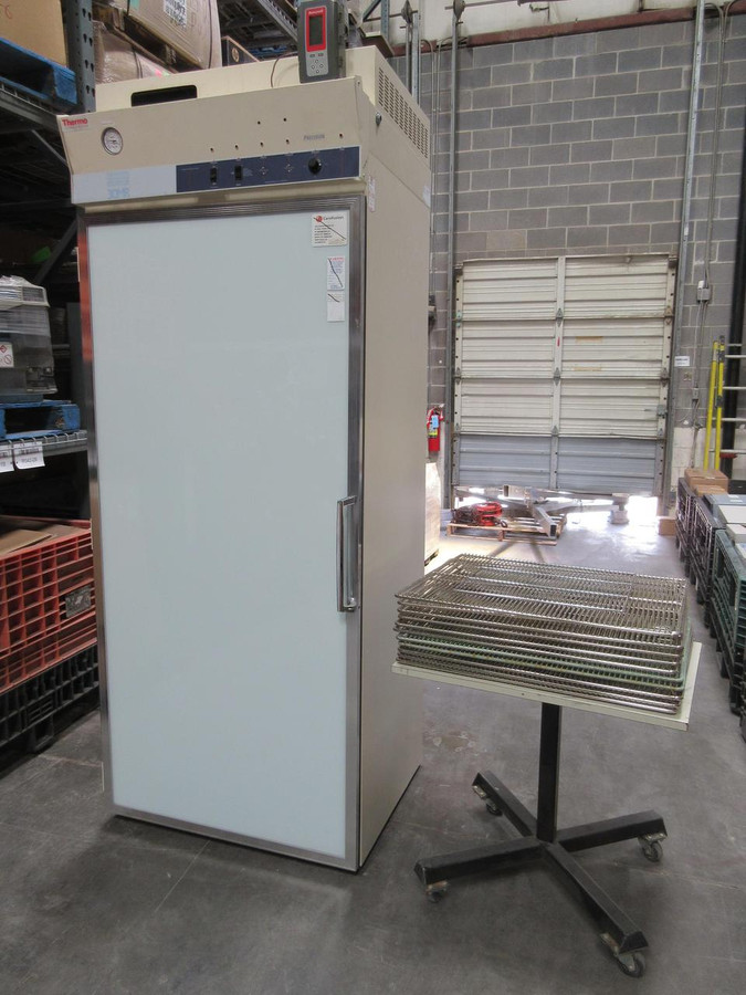 Thermo Fisher Scientific 3975 Lab Refrigerated Incubator 30 Cubic Feet