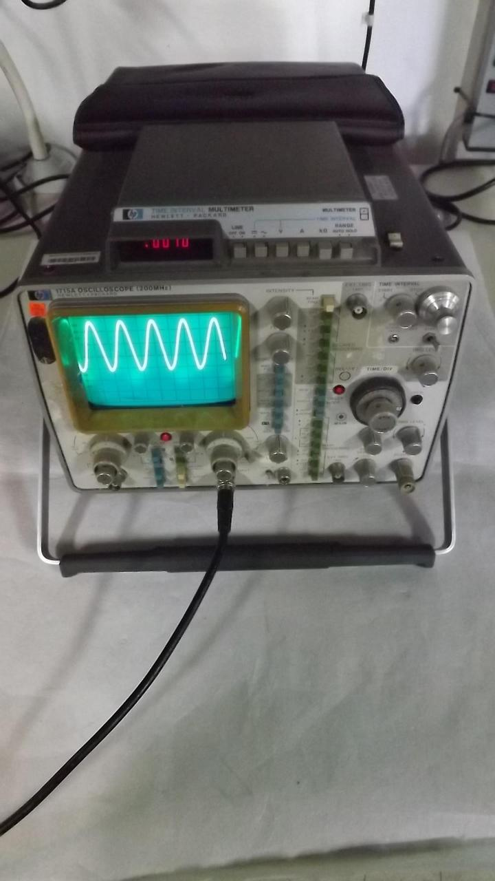 HP Hewlett Packard 1715A Oscilloscope w/ Time Interval Multimeter T33982