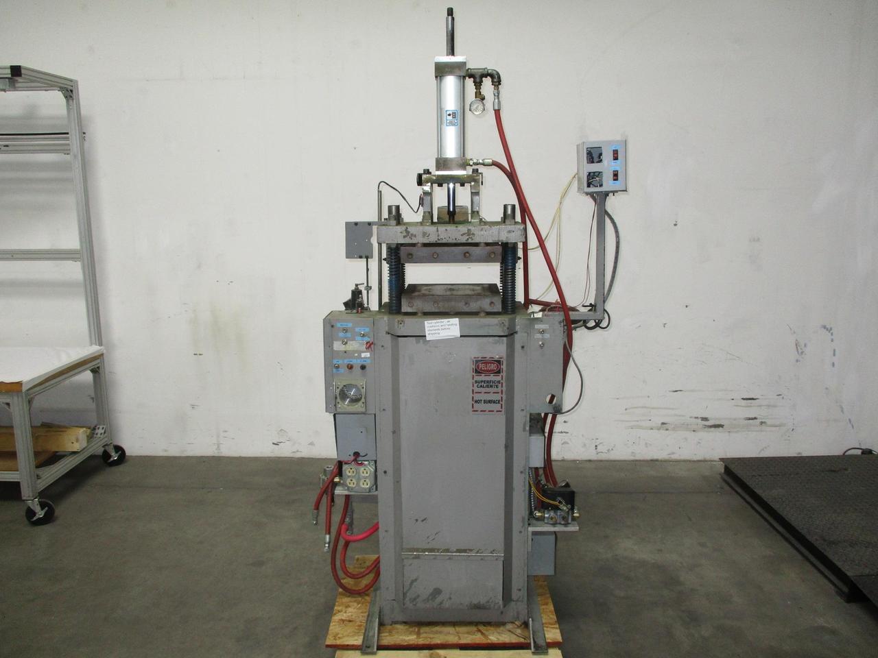 Gluco Series E Compression Injection Molding Machine 120 VAC T123724