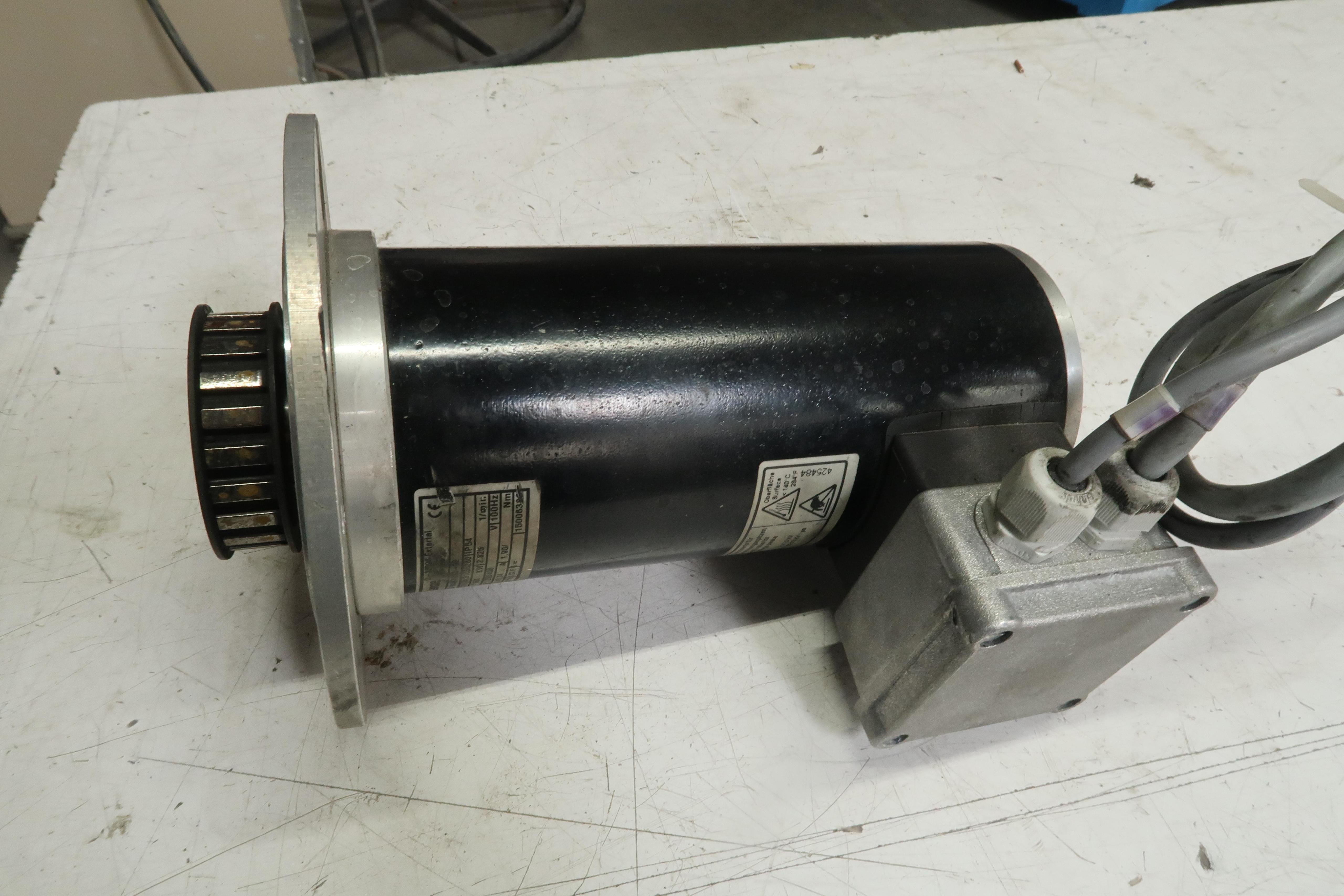 Lenze SDSGAXX063-32 Motor 0,600 KW 230/400 V T137283