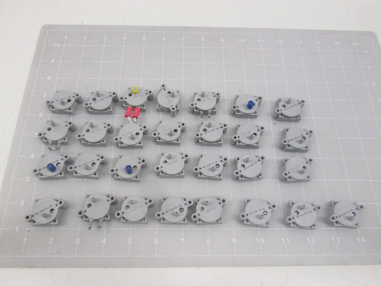 Lot of 29 MPL Micro Pneumatic Logic MPL-502-V-G-35 Pressure Sensor T64458