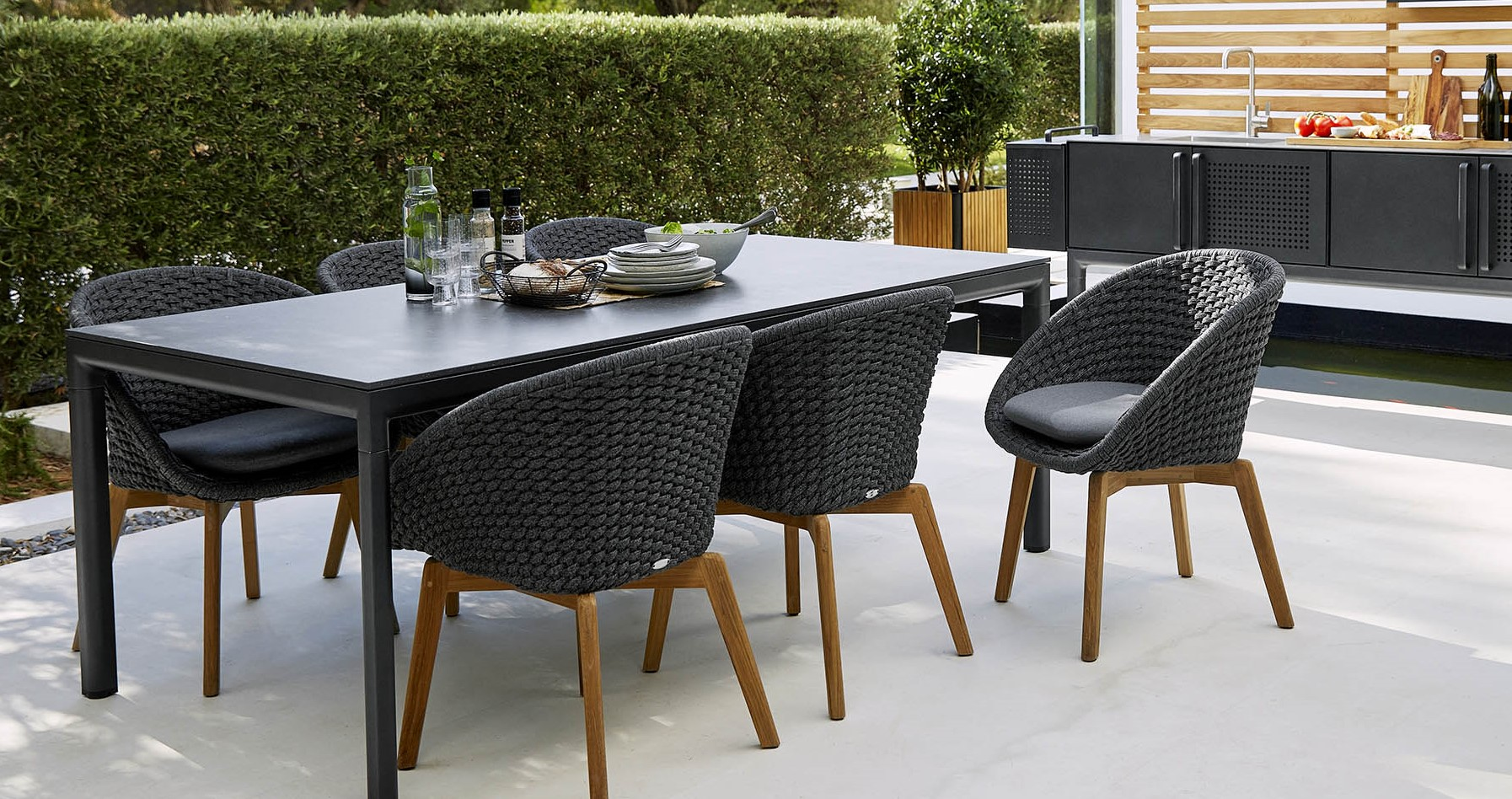 cane-line-peacock-dining-chair-lifestyle.jpg