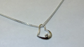 256-29 Floating CZ Heart/Chain