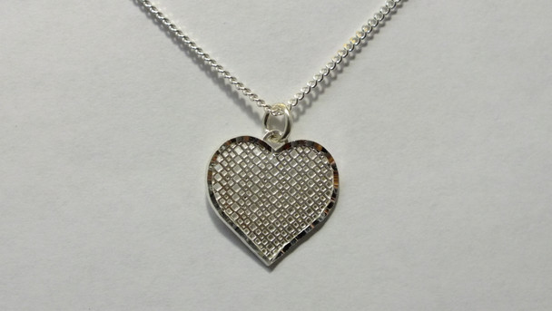 259-50 Patterned Bright Cut Heart/Chain