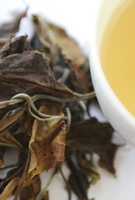 A full-bodied whole leaf white tea with a hint of sweet caramel. Offered by a single estate in small batches from Malawi.