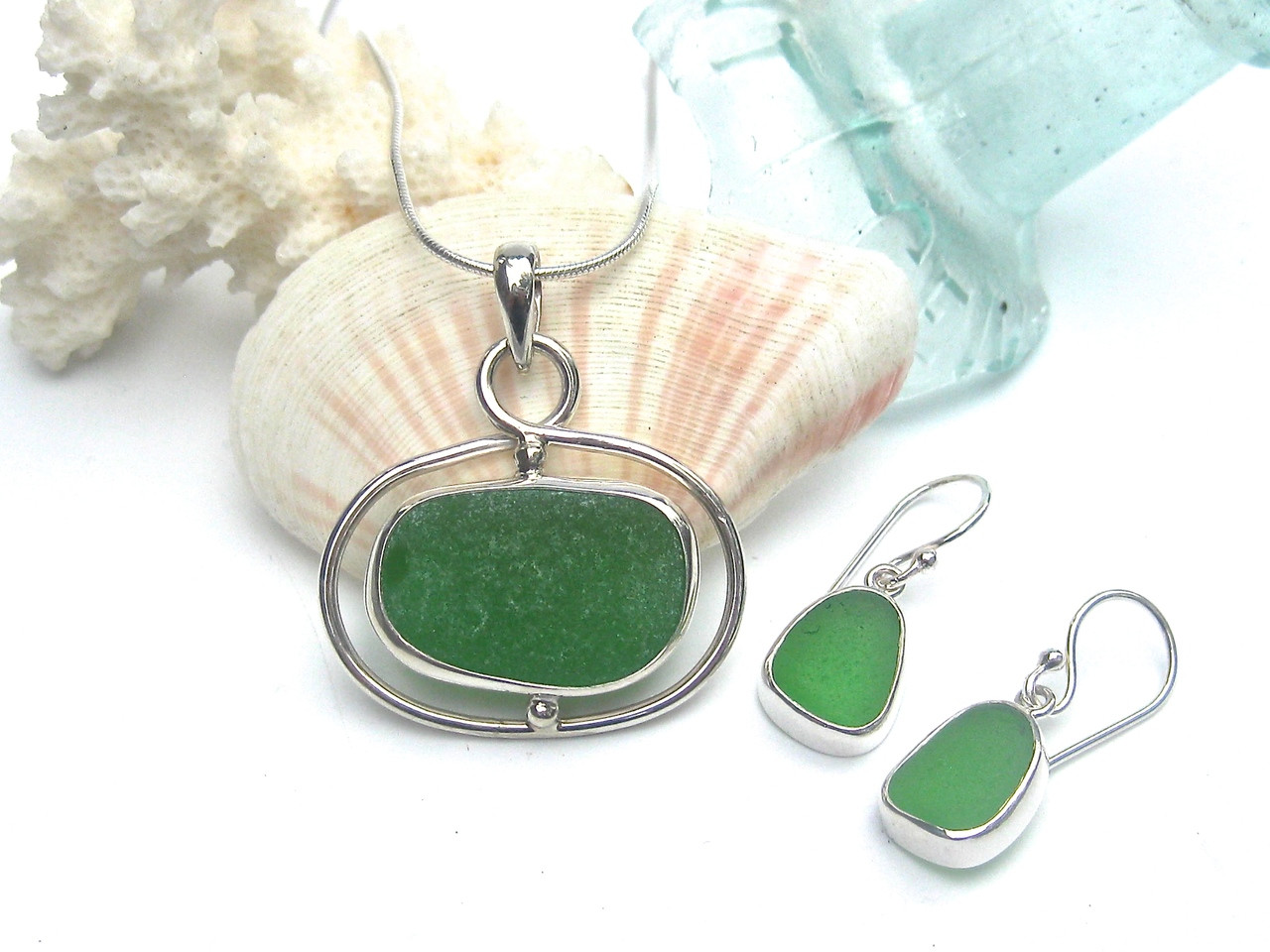 Green Swirl Necklace and Earring Set