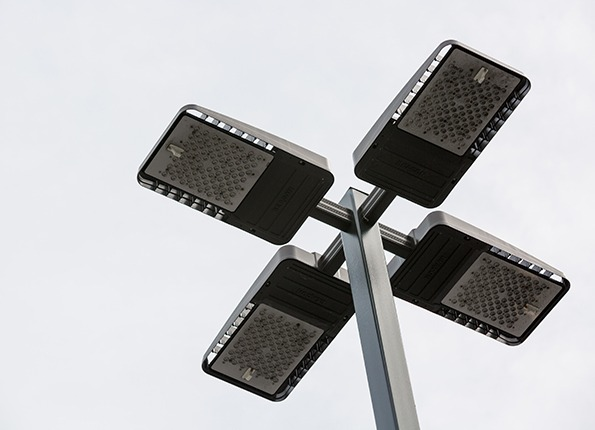 LightMart LED Light Pole Kit in Daylight
