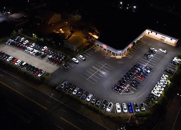 A Kia Dealership at Night, Featuring LightMart Pole Kits