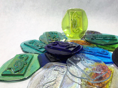 Seahorse Art Glass Pressed Jewel Shown in Assorted Colors
