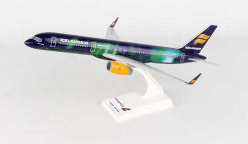 SKYMARKS ICELANDAIR 757-200 1/150 HEKLA AURORA